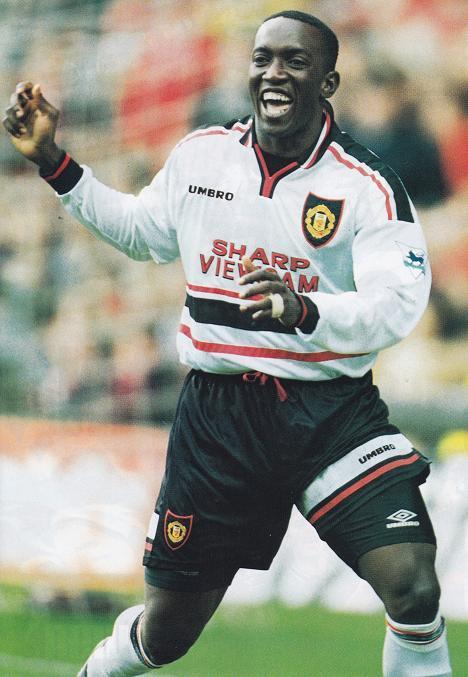 Manchester-United-98-99-UMBRO-second-kit-white-black-white-Andy-Cole.jpg