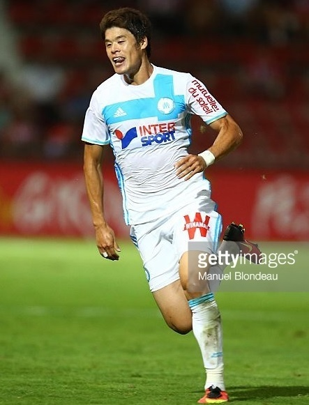 Marseille-2016-17-adidas-home-kit-酒井宏樹.jpg