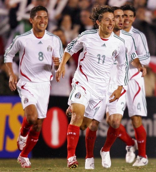 Mexico-07-adidas-away-white-white-red-joy.JPG
