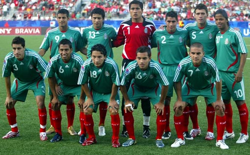 Mexico-07-adidas-green-green-red-pose.jpg