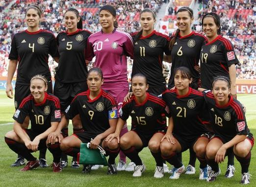 Mexico-11-adidas-women-away-kit-black-black-black-line up.JPG