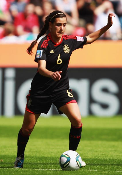 Mexico-11-adidas-women-away-kit-black-black-black.JPG