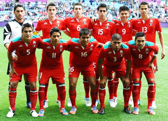 Mexico-12-atletica-olympic-away-kit-red-red-red-line-up.jpg
