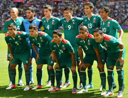 Mexico-12-atletica-olympic-home-kit-green-green-green-line-up.jpg
