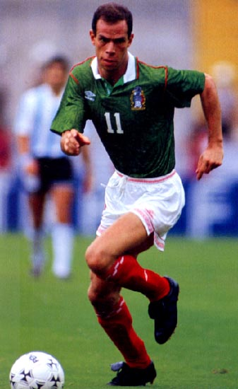 Mexico-93-UMBRO-home-kit-green-white-red.JPG