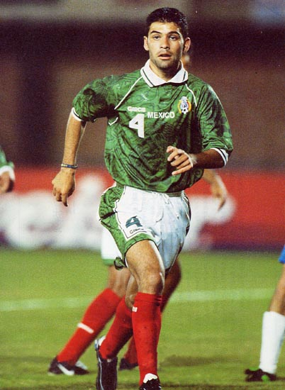 Mexico-99-GARCIS-home-kit-green-white-red.JPG