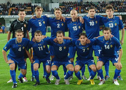 Moldova-10-11-JAKO-home-kit-blue-blue-blue-pose.JPG