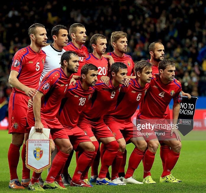 Moldova-2014-15-JAKO-away-kit-red-red-red-line-up.jpg