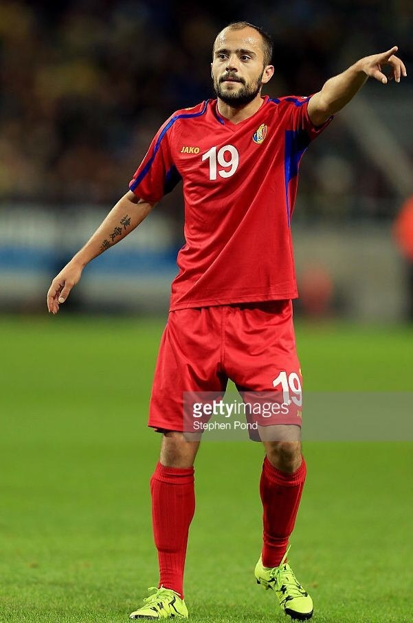 Moldova-2014-15-JAKO-away-kit-red-red-red.jpg