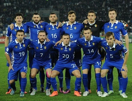 Moldova-2016-17-JAKO-home-kit-blue-blue-blue-line-up.jpg