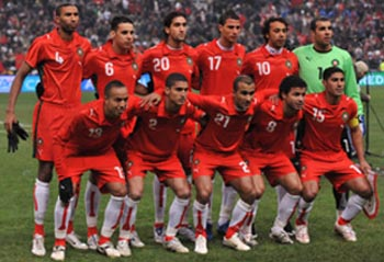 Morocco-07-PUMA-uniform-red-red-white-group.JPG