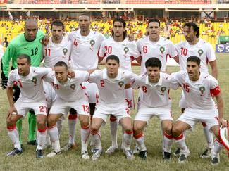 Morocco-08-09-PUMA-away-kit-white-white-white-line up.JPG