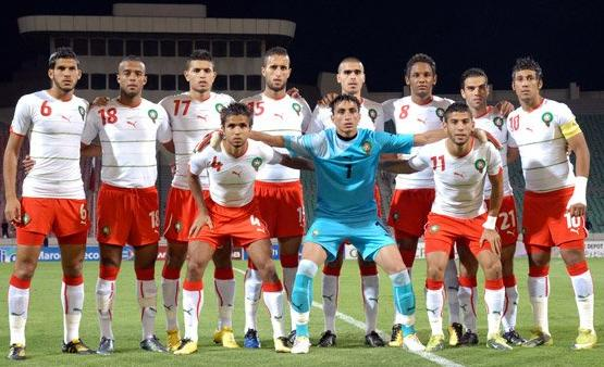 Morocco-11-12-PUMA-away-kit-white-red-white-line up.JPG