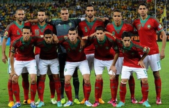 Morocco-13-adidas-home-kit-red-white-red-line-up.jpg