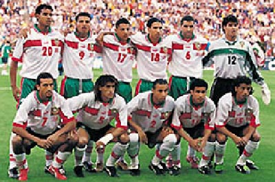 Morocco-98-99-PUMA-uniform-white-green-white-group.JPG