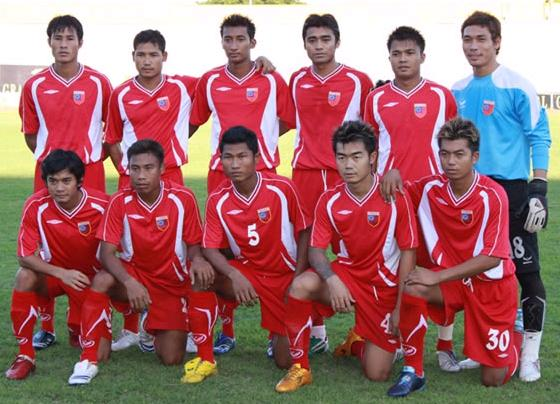 Myanmar-09-UMBRO-home-kit-red-red-red-line up.jpg
