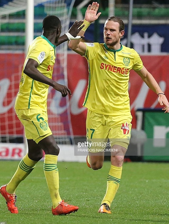 Nantes-15-16-UMBRO-home-kit.jpg