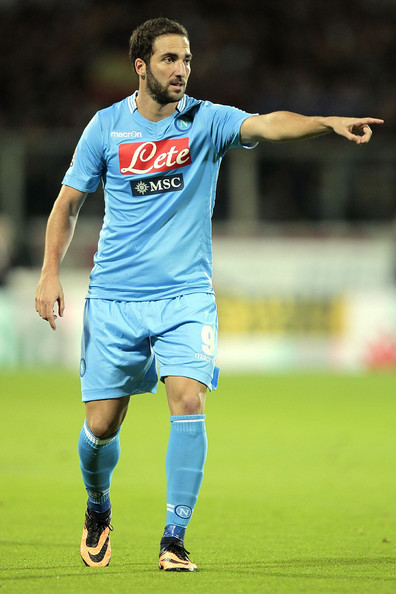 Napoli-13-14-macron-first-kit-light-blue-light-blue-light-blue-Gonzalo-Higuain.jpg