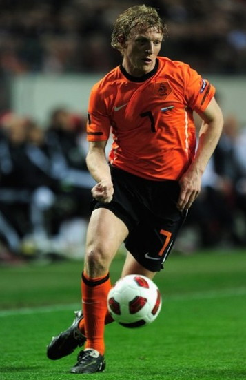 Netherlands-10-11-NIKE-EURO-home-kit-orange-black-orange.jpg