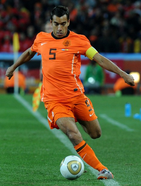 Netherlands-10-NIKE-World Cup-home-kit-orange-orange-orange.JPG