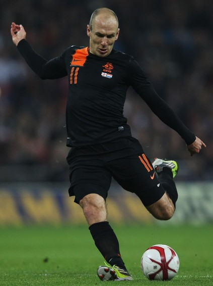Netherlands-12-13-NIKE-away-kit-black-black-black.jpg