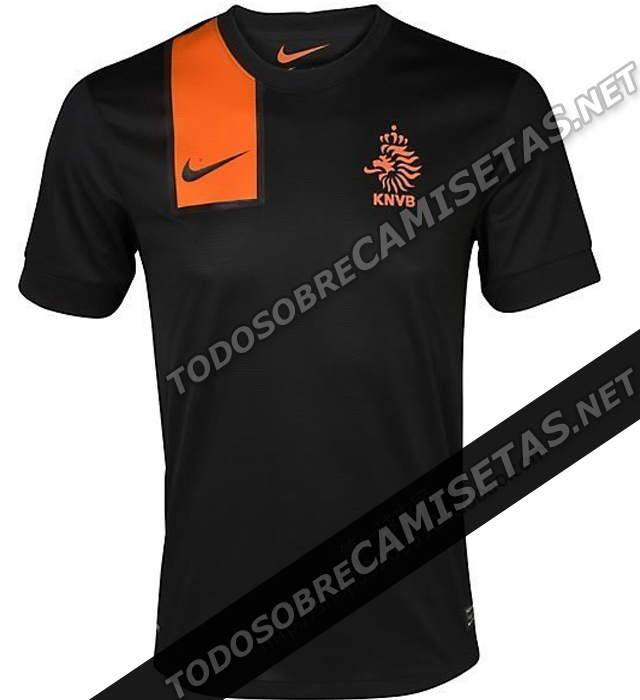 Netherlands-12-13-NIKE-new-away-shirt-4.jpg