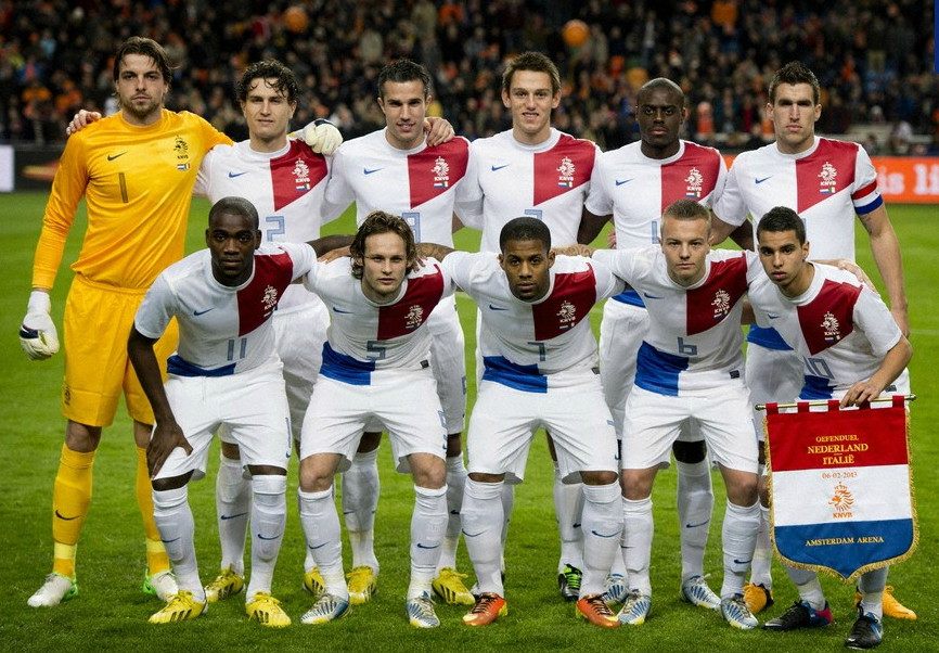 Netherlands-13-NIKE-away-kit-white-white-white-line-up.jpg