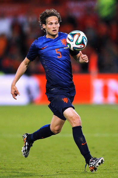 Netherlands-14-15-NIKE-away-kit-blue-blue-blue.jpg