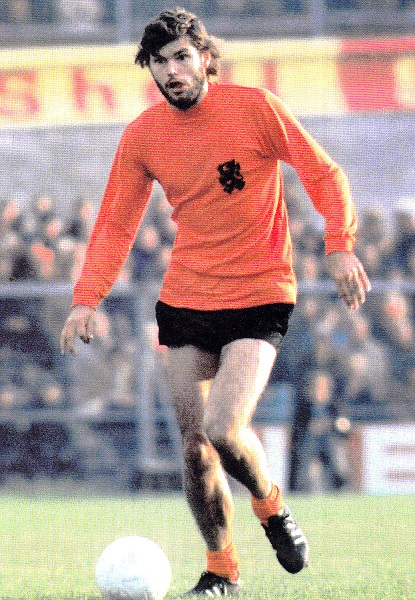 Netherlands-1973-home-kit-orange-black-orange.jpg