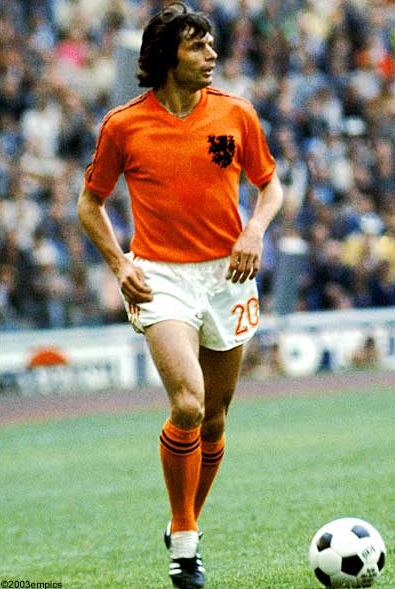 Netherlands-1974-adidas-world-cup-home-kit-orange-white-orange.jpg