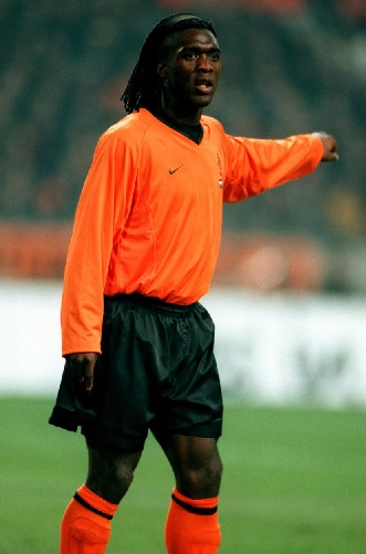 Netherlands-2000-2001-NIKE-home-kit-Clarence-Seedorf.jpg
