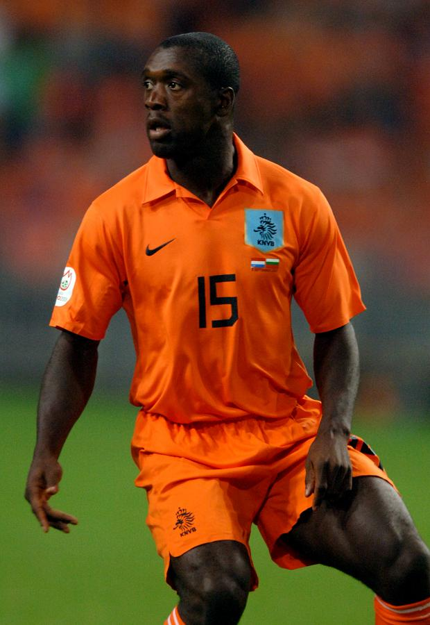Netherlands-2006-2007-NIKE-home-kit-Clarence-Seedorf.jpg