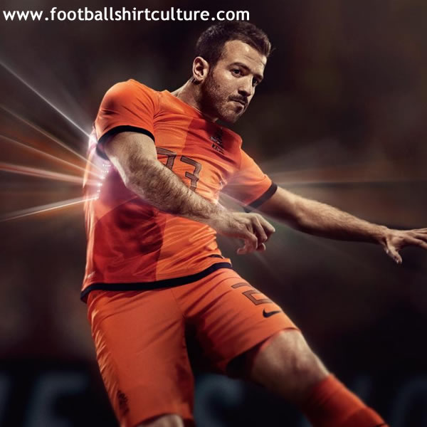 Netherlands-2012-NIKE-new-home-kit-12.jpg