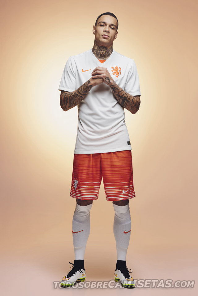 Netherlands-2015-NIKE-new-away-kit-3.jpg