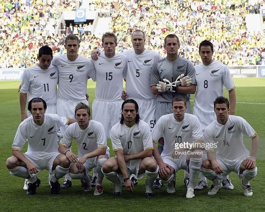 New-Zealand-2006-07-NIKE-home-kit-white-white-white-line-up.jpg