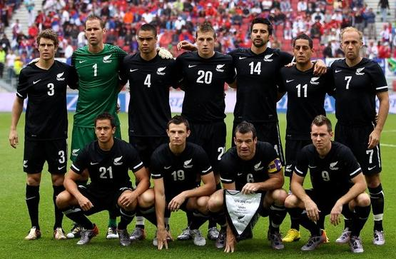 New Zealand-10-11-NIKE-away-kit-black-black-black-pose.JPG