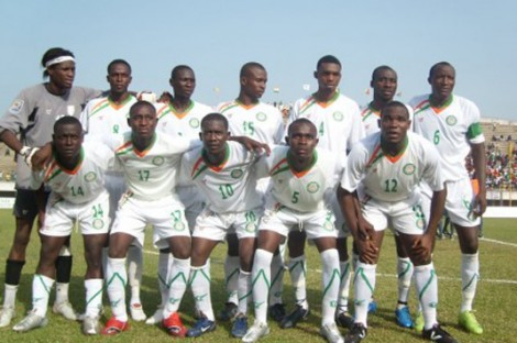 Niger-09-10-tovio-away-kit-white-white-white-line-up.jpg