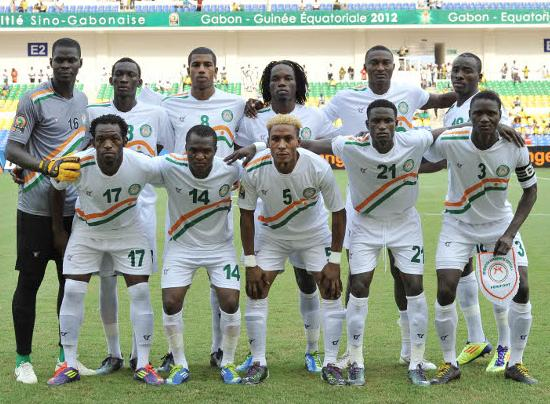 Niger-12-13-tovio-away-kit-white-white-white-line-up.JPG