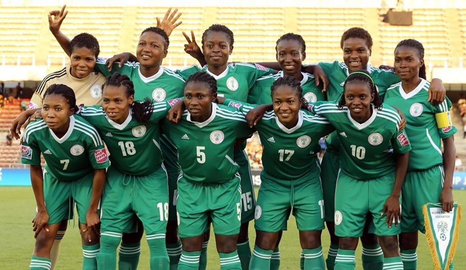 Nigeria-12-NIKE-U20-women-home-kit-green-green-green-line-up.JPG