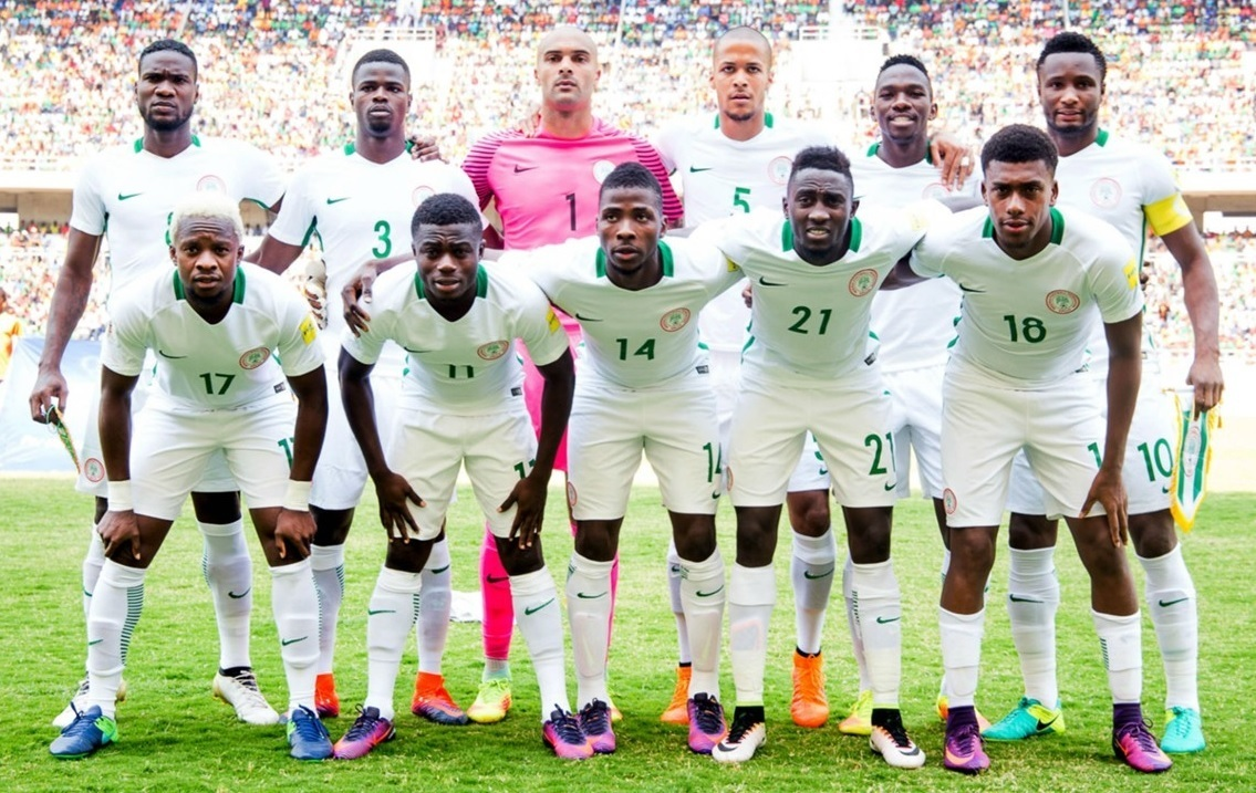 Nigeria-2016-17-NIKE-away-kit-white-white-white-line-up.jpg