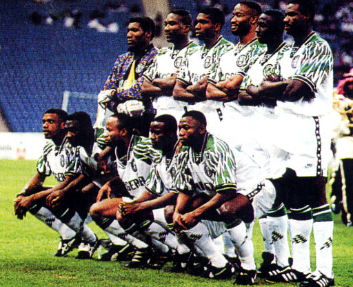 Nigeria-95-NIKE-away-kit-white-white-stripe-line-up.jpg