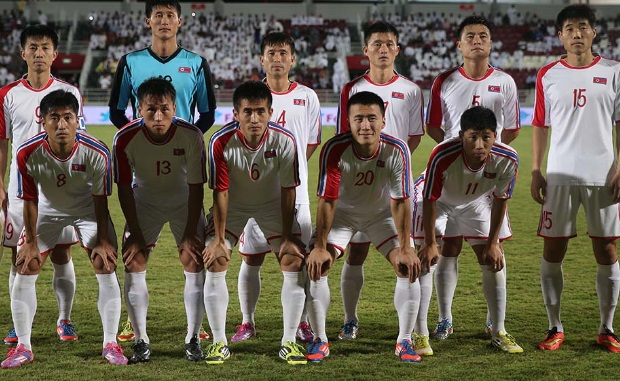 North-Korea-2014-no-name-away-kit-white-white-white-line-up.jpg