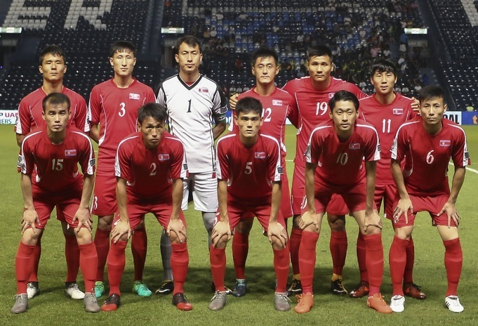 North-Korea-2017-home-kit-red-red-red-line-up.jpg
