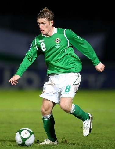 Northern-Ireland-08-09-UMBRO-home-kit-green-white-green.jpg