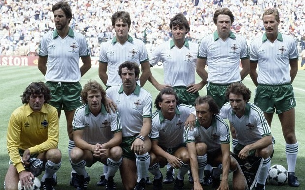 Northern-Ireland-1982-adidas-away-Kit-white-green-white-line-up.jpg