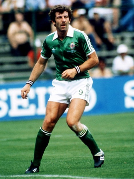 Northern-Ireland-1982-adidas-home-Kit-green-white-green.jpg