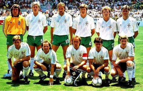 Northern-Ireland-1986-adidas-away-Kit-white-green-white-line-up.jpg