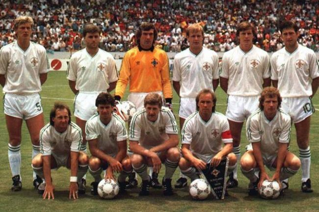 Northern-Ireland-1986-adidas-away-Kit-white-white-white-line-up.jpg
