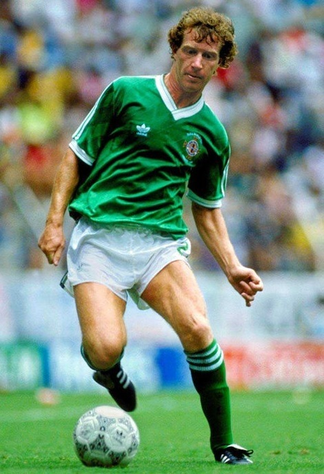 Northern-Ireland-1986-adidas-home-kit-green-white-green.jpg