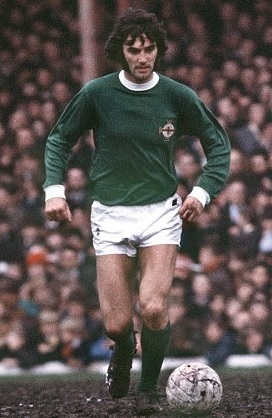 Northern-Ireland-70's-home-kit-green-white-green-George-Best.jpg